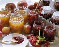 Apricot jam with cashew