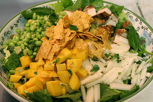 Asian salad with chicken and mango