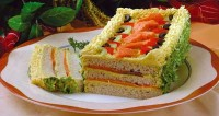 Sandwich cake with turmeric and smoked salmon