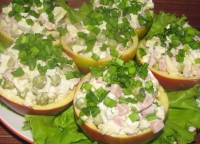 Stuffed with ham and peas apples