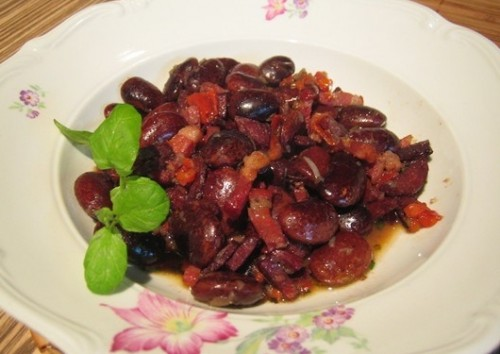 Romanian beans with bacon