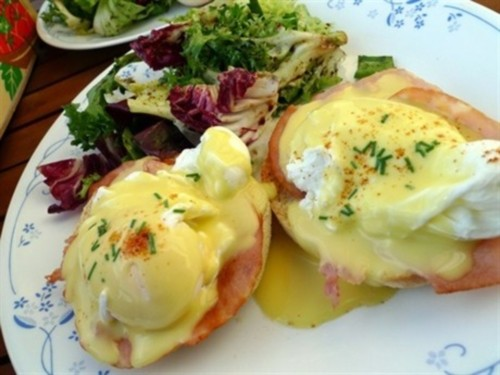 Eggs Benedictine