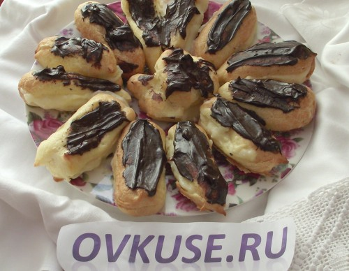 Eclairs with custard