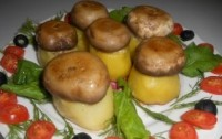 Potato-mushroom Christmas appetizer