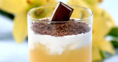 Jelly of apricots with cream and chocolate