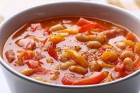 Light soup with beans and tomatoes