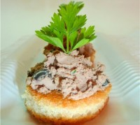 Mini sandwiches with homemade chicken pate