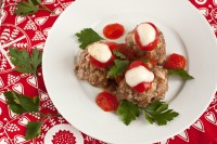 picture - Meat balls with herbs and mozzarella