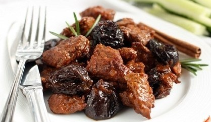 Meat with prunes