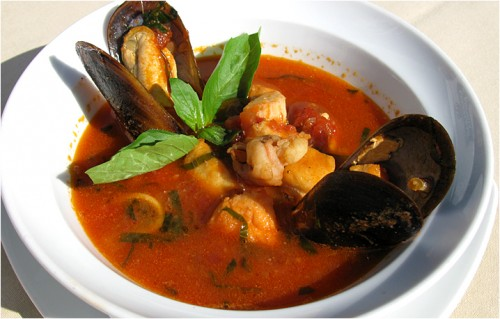Unusually: 3 recipes delicious soups with seafood