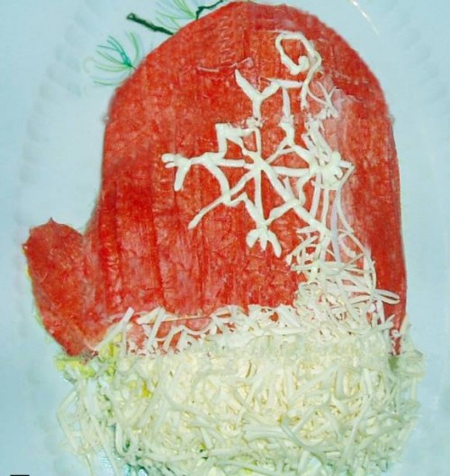 picture - Christmas salads: the hat and the mitten Santa Claus