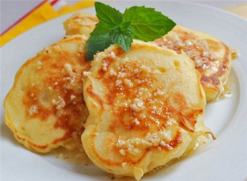 German pancakes with apple