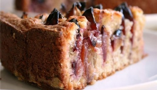 picture - Cake with plums
