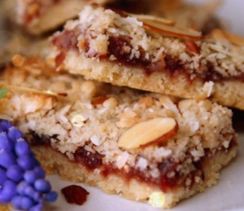 Cakes with dried fruit and jam