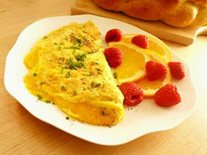 Plain omelette with vegetables and meat, the video recipe