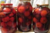 picture - Tomatoes, canned plums