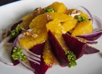 Meatless salad with beets and oranges