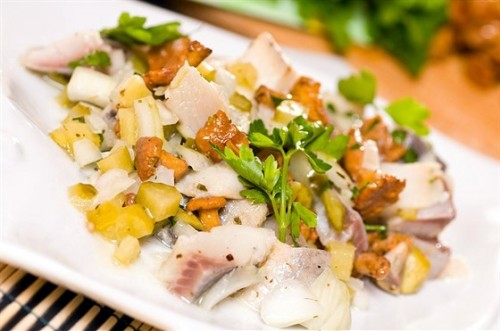 Everyday salad with herring without mayonnaise: 5 recipes