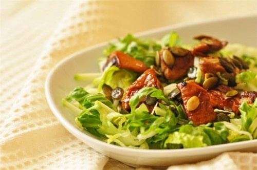 Recipes for delicious salad with zucchini