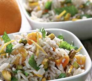 Rice salad with pistachios and mint