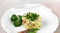 Salad c herring Danish