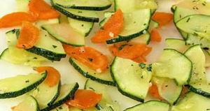 Carrot salad with zucchini
