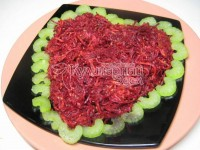 Vegetable salad with apple and sesame