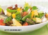 Salad of roasted sardines with cucumbers