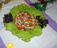 Salad of fresh mushrooms with lemon juice