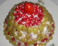 "picture - New Year's salad with chicken and fruit ""Sweet Christmas Tree"""