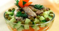 Vegetable salad with sprats