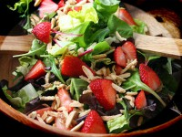 picture - Salad with strawberries and almonds