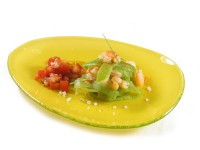 picture - Salad with shrimp and green beans