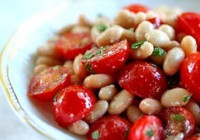 picture - Salad with cherry tomatoes and beans