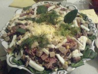 picture - Salad with spinach, tuna, bacon