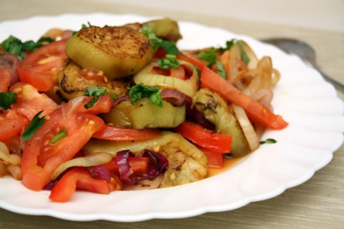 Salad of eggplant with chicken - simple and delicious recipes