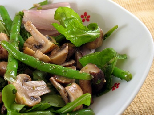Salad with mushrooms every day: 5 recipes
