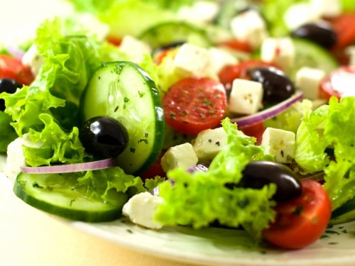 Salads with cheese and vegetables: 6 recipes