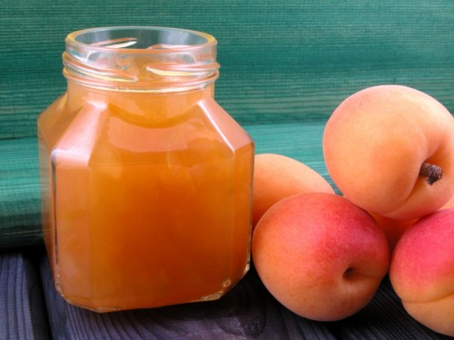 The most delicious juices from fruits for the winter