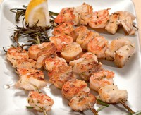 picture - Kebabs of white fish and shrimp
