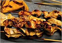 Kebabs of chicken with mango