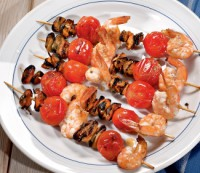 Kebabs, seafood and tomatoes