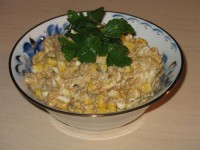 Sprat salad with corn and beans