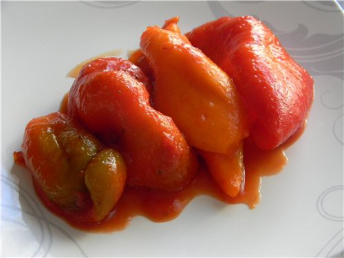 Peppers in tomato juice