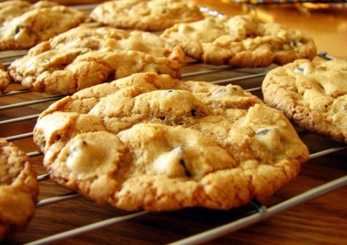 Sweets with their own hands: simple recipes walnut cookies