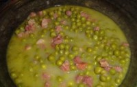 Soup with meat and peas