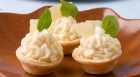Cheese and pineapple snack tartlets