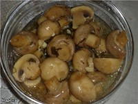 A delicious salad with mushrooms