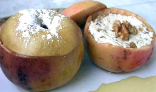The snack of apples with Dor-blue cheese and walnuts
