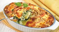 Casserole with spinach and pine nuts